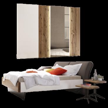 Thielemeyer Feel Schlafzimmer Ausführung Lack weiß mit Absetzungen  Wildeiche Massivholz bestehend aus Komfort-Liegenbett und  Schwebetürenschrank mit 1 ...