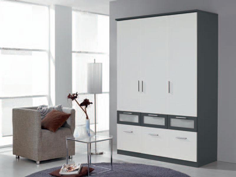 kleiderschrank bochum rauch dreht renschrank mit absetzung farben w hlbar ebay. Black Bedroom Furniture Sets. Home Design Ideas
