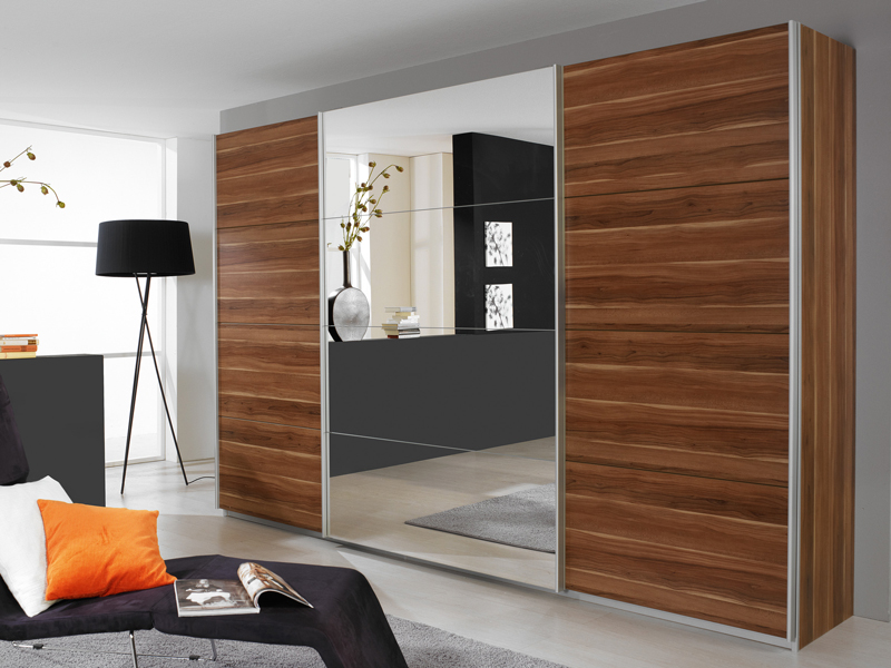 kleiderschrank quadra rauch moebel schwebetuerenschrank 4x. Black Bedroom Furniture Sets. Home Design Ideas